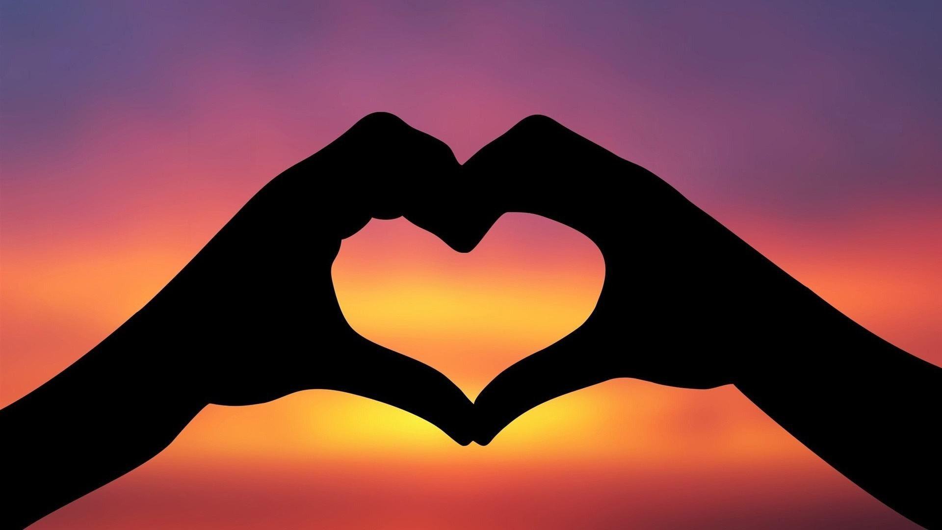 صورة كيف تجعل الناس يحبونك , كيف تكون محبوبا بين الناس وكيف تجعلهم يحبونك