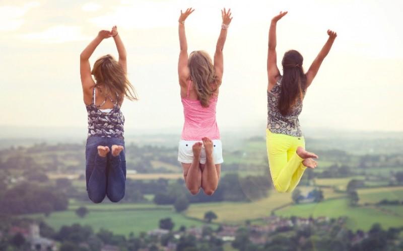 صورة كيف تجعل اصدقائك يحبونك , نصائح تجعل اصدقائك يحبونك ويثقون بك