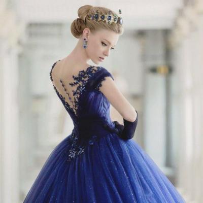 صورة فساتين عرايس ملونة , تصاميم فساتين اعراسه موضه