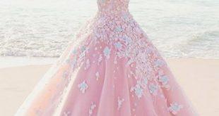 صور فساتين عرايس ملونة , تصاميم فساتين اعراسه موضه