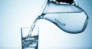 صورة شرب الماء للتخلص من الكرش , فوائد المياه و دورها في التخسيس
