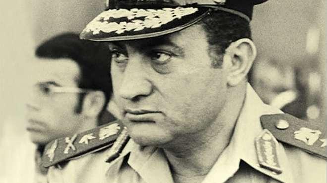 صورة صور حسنى مبارك , صور نادرة للقائد الطيار حسنى مبارك