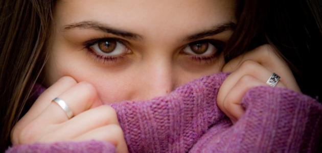 صور صفات الفتاة الخجولة , للبنت الخجوله عده خصائص تميزها