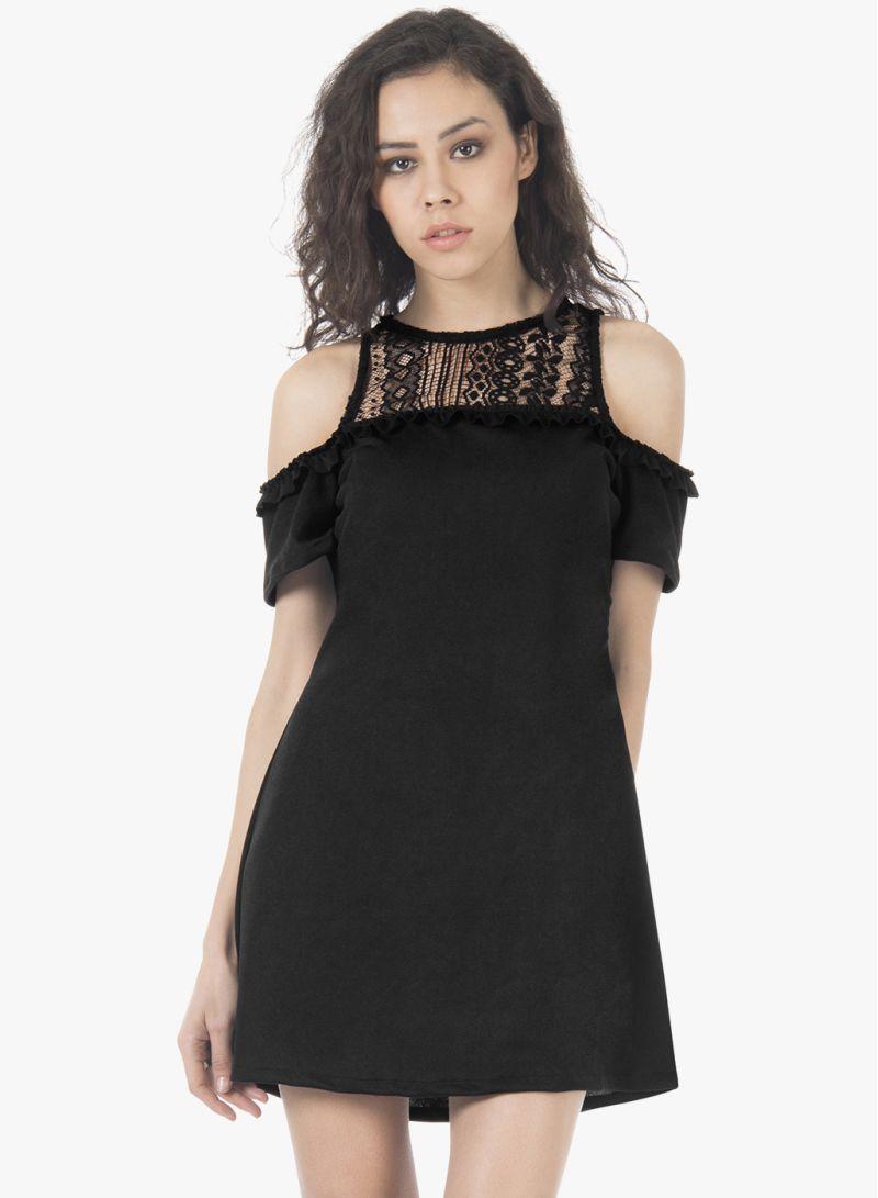 صورة فستان اسود دانتيل , فساتين سهره سوداء استايل 4532 7