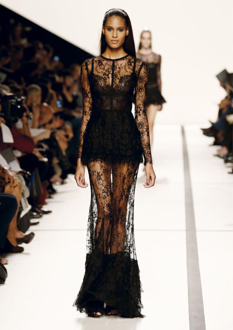 صورة فستان اسود دانتيل , فساتين سهره سوداء استايل 4532 9