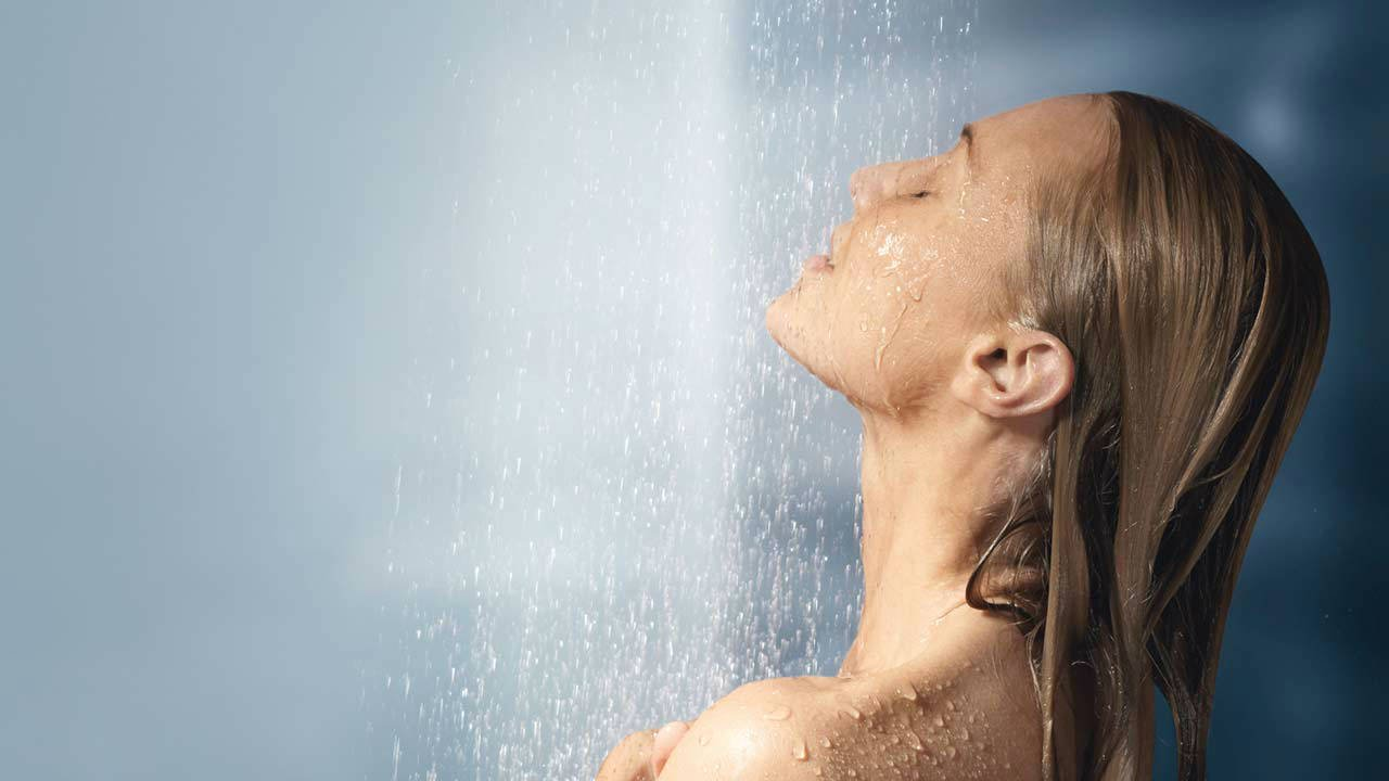 صورة تفسير رؤية الاستحمام في المنام , معانى متعددة للاستحمام فى المنام