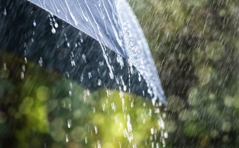 صورة ما معنى المطر في المنام , رؤيا المشى تحت المطر وعلام تدل