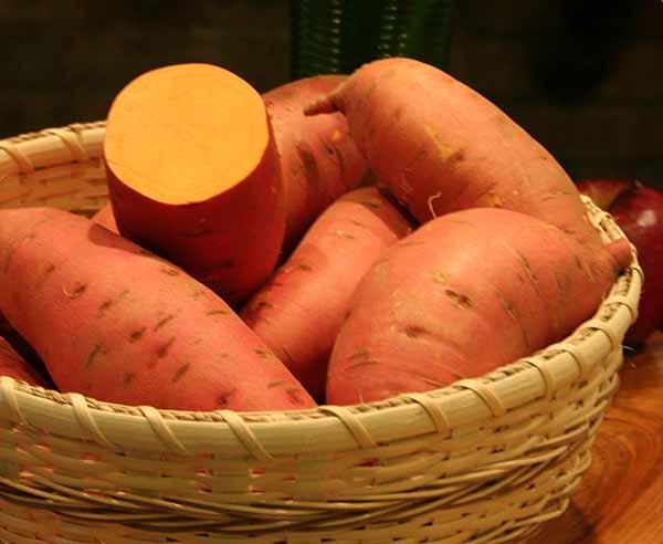 صورة فوائد البطاطا للوجه , مهمة جدا للوجه