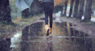 صورة المشي تحت المطر في المنام , من الاحلام الغريبه