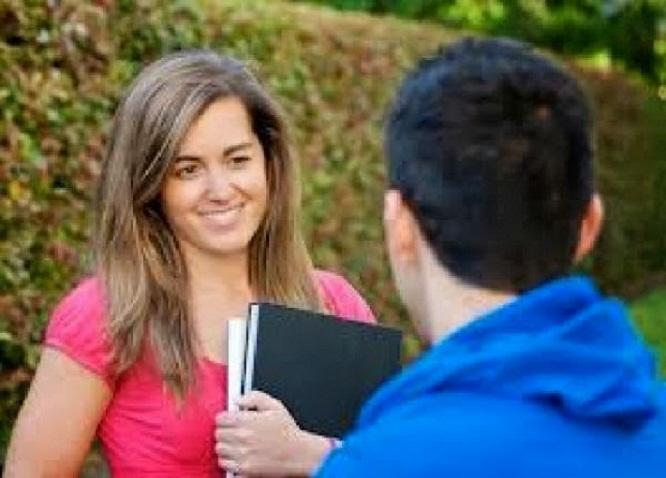 صورة كيف تعرف ان البنت معجبة بك من اول نظرة , لمسات حول الحب الذى من حولك