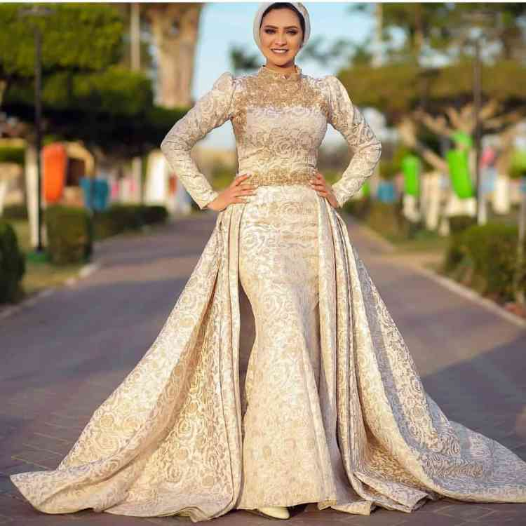 صورة فساتين سواريه محجبات 2019،موديلات عصريه لفساتين السهرات